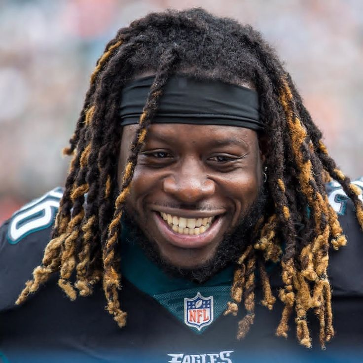 Smile! Were only 24 hours away from #Eagles football. #FlyEaglesFly Learn more Philadelphia Eagles  https://clssport.com/category/nfl/philadelphia-eagles/ or @eaglesfans247 on Bio #eaglesfans247 #eaglespride #eaglenation #bleedgreennation #PhiladelphiaEagles #EaglesNation #eaglesclothing #eaglesgear