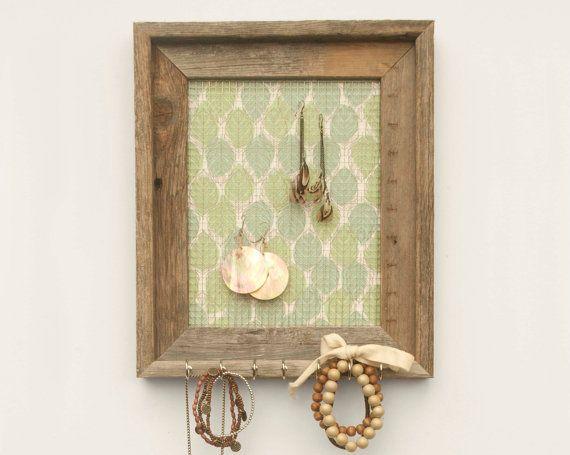 cute way to organize jewelry