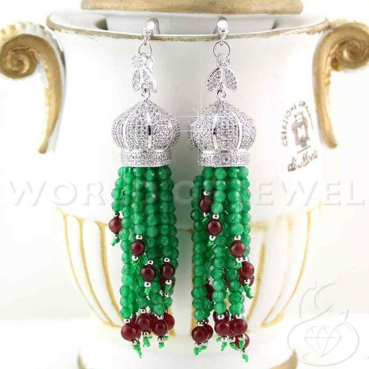 Orecchini di argento 925 con strass e giada smeraldo #worldofjewel #jewel #jewelry #gioielli #chandelier #giada #jade