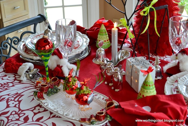 Beautiful Christmas tablescape ~Tablescapes Sets, Christmase Tablescapes, Dining Rooms, Holiday Tablescapes, Awesome Tablescapes, Tablescapes T Sets, Winter Tablescapes, Holiday Christmas, Christmas Tablescapes