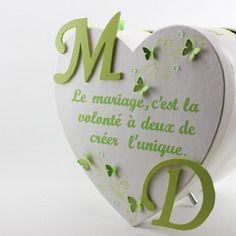 Urne de mariage coeur blanche déco papillons verts