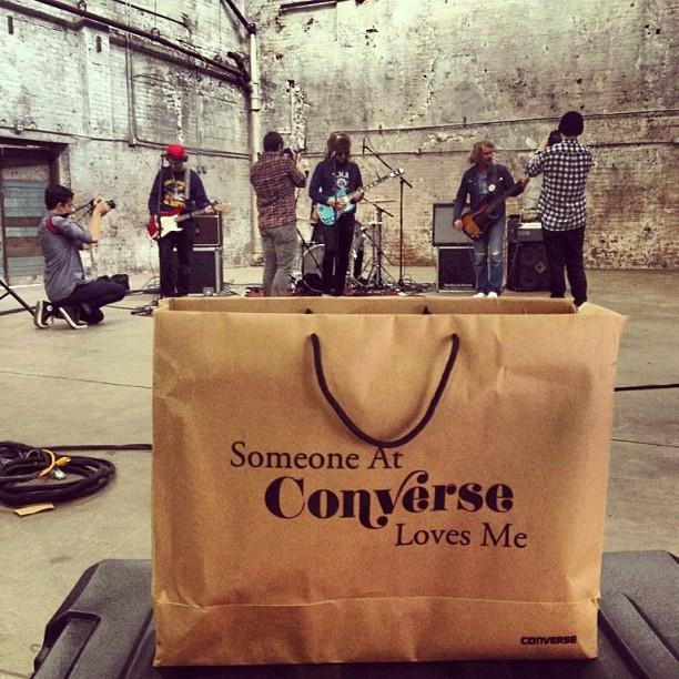 Punga Converse: Someone at Converse Loves Me