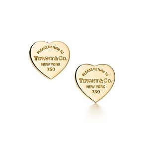 Return to Tiffany™ mini heart tag earrings in 18k gold.