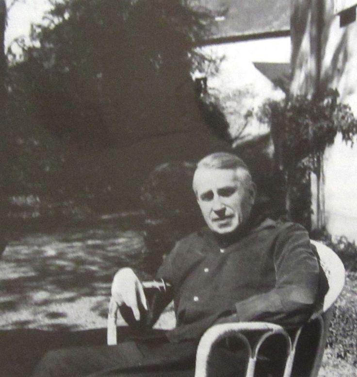 Georges Bataille à Fontenay-le-Comte chez André Costa vers 1960.JPG (JPEG Image, 1515×1600 pixels) - Scaled (42%)
