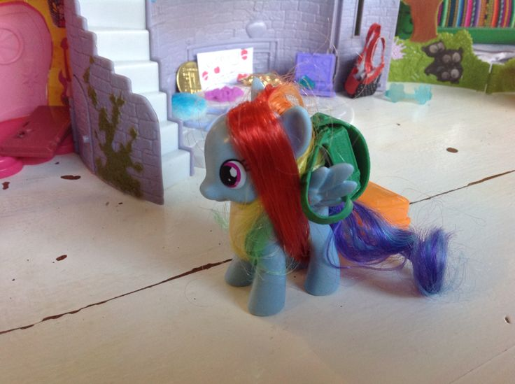 Rainbow dash going on a trip