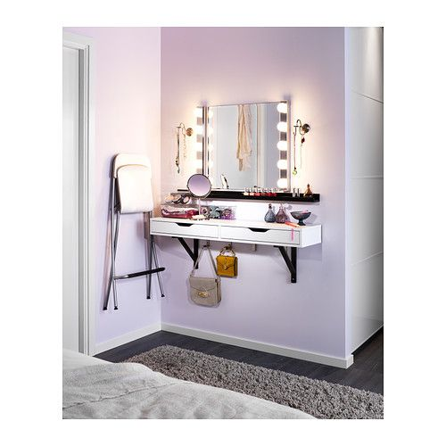 Small space vanity