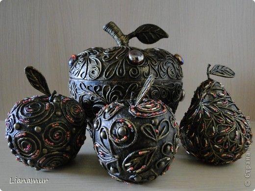 Декор предметов Аппликация из скрученных жгутиков Яблоки бывают разные   и груши Бисер Клей Краска Салфетки фото 1