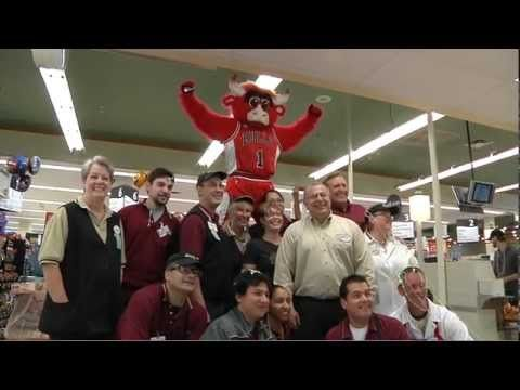 Benny the Bull and Bulls broadcaster Stacey King surprised a number of unsuspecting shoppers at a local Jewel-Osco store by paying for their groceries. #BennybeingBenny