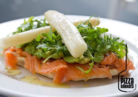 Pizzadina Salmone | smoked salmon, avocado, rucola, white asparagus #depizzabakkers