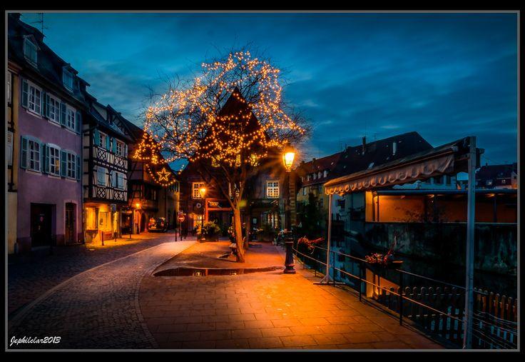 Le Quai de la poissonnerie à Noël (Photo : Jean François Philipp) #Colmar #Alsace #France #Noël #Christmas #Weihnachten #romance #romantique #travel #voyage #Reise #Romantik #Licht #lights #lumière (www.noel-colmar.com)