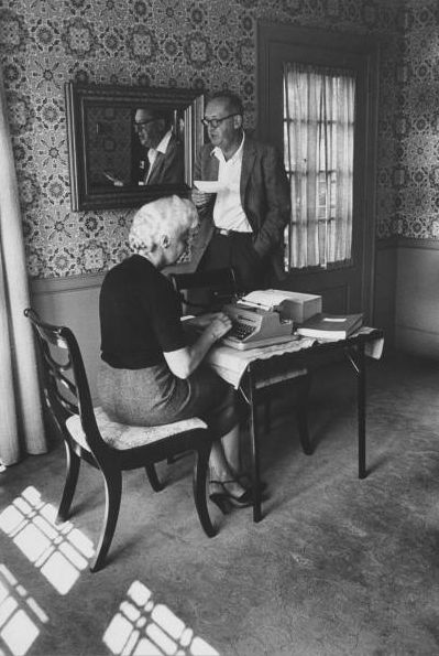 Vera and Vladimir Nabokov Véra Nabokova (Slonim) (January 5, 1902 – April 7, 1991) was the wife, editor, and translator of Vladimir Nabokov, and a source of inspiration for many of his works.