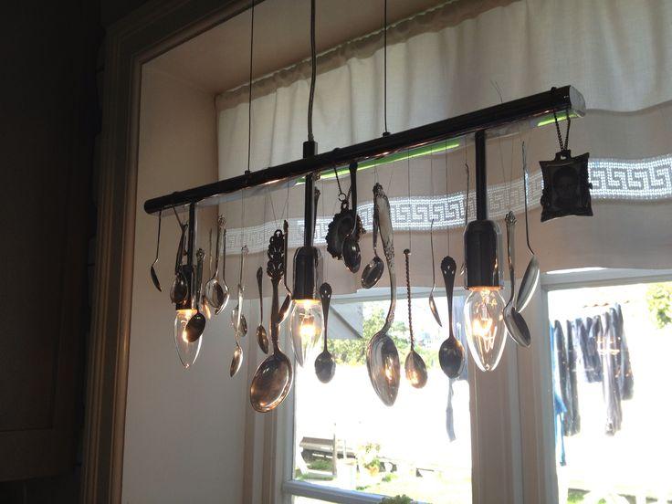 Gammel lampe blir som ny: gjenbruk av gamle sølvskjeer