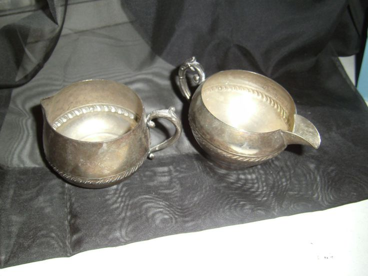 Silverplate creamers Scroll Design Sheridan? Beautiful Design Set of 2 different