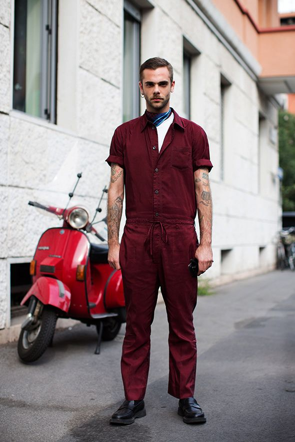 Unique, stylish and brave outfit - shot by the Sartorialist on the streets of Milan. Could the burgundy be any more perfect?