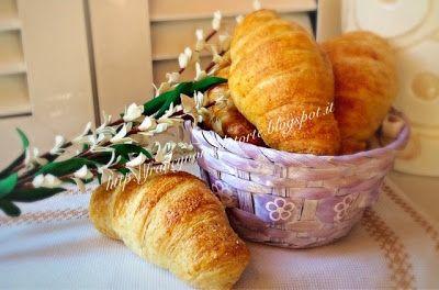 Francy non solo torte: Croissant semi integrale a lievitazione naturale