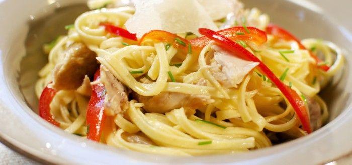 spagetti med hvitløk, paprika og kylling