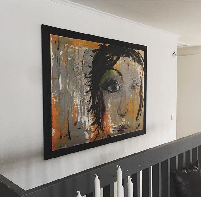 Nu hänger den på väggen:) Now its hanging on the wall:) #målning #akrylmålning #akryl #allkonstnär #konst #lis1 #lis1design #painting
