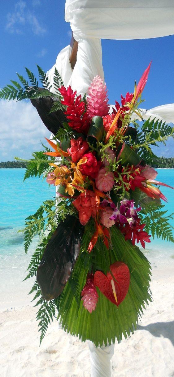 Magnifique composition florale pour un mariage sur la plage