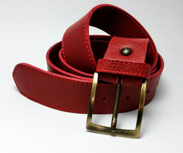 Leather belt by Veloce Collezioni 100% Made in Italy Size availability: 28-30-32-34-36-38 Height: 4cm Description: 100% Italian bull skin leather - Solid colour - Vintage metallic buckle closure. http://www.velocecorporate.com