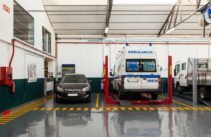 Oficina de reparação e manutenção de automóveis