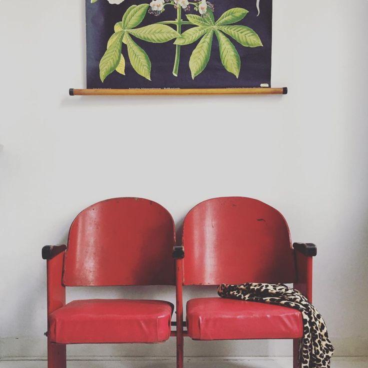 85 vind-ik-leuks, 2 reacties - ⚡️Pien Essink⚡️ (@studio_pien) op Instagram: 'Homeoffice coffecorner. • • • • #office #homeoffice #vintage #vintagestyle #interior #interior4all…'
