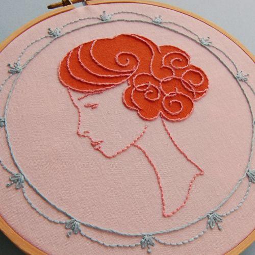 Beautiful embroidery--so elegant, I wish I spoke french to describe it.