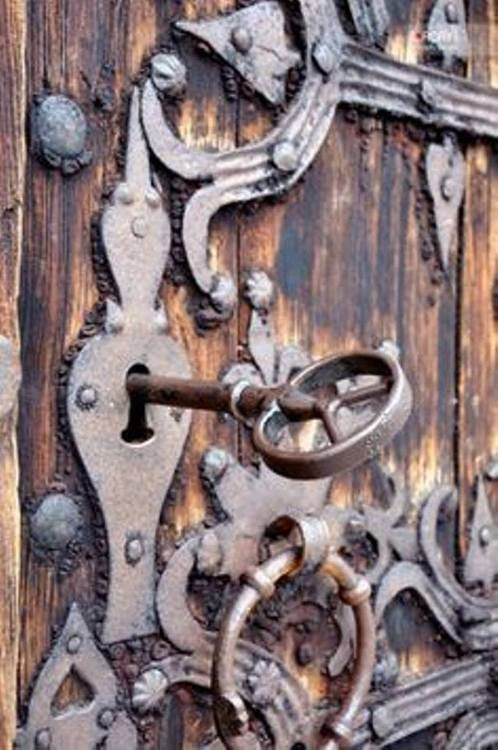old door, lock and key. So net