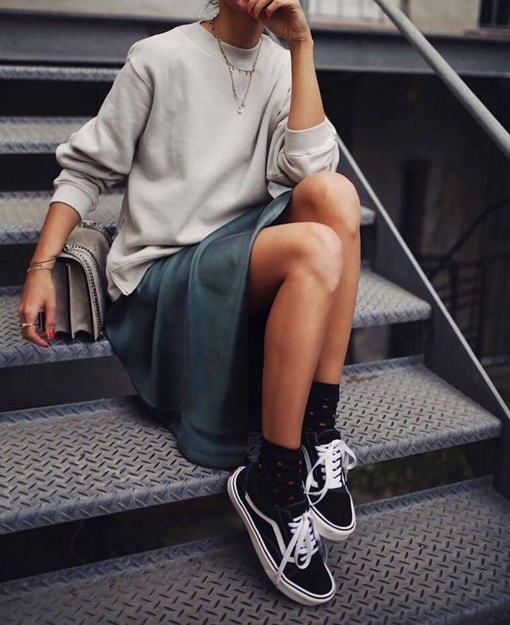 10 façons de porter le Sweatshirt #fashionphotographer #fashionphotography #trendy #womensfashion #fashiondesigner #couture #trends #fashionindustry …