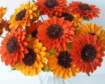 Fleurs papier - tournesols - Orange et jaune - mariages - anniversaires - événements spéciaux - Mix couleurs - lot de 24 - sur commande