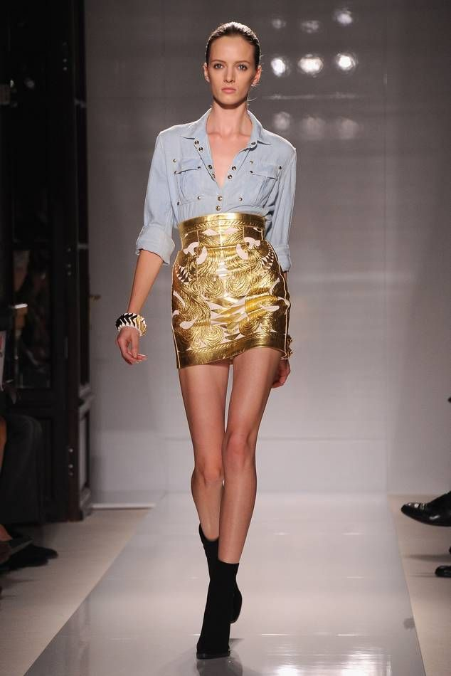 Balmain: Runway - Paris Fashion Week Spring / Summer 2012