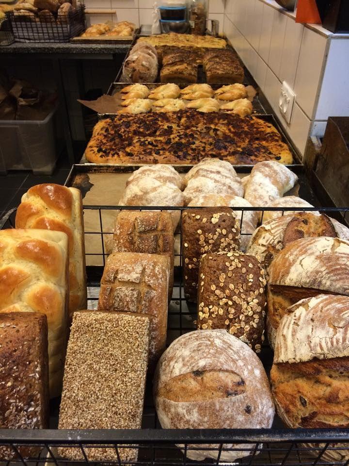 """Dziś idziemy po chlebek do di Cafe Deli   Zobaczcie co już na Was czeka    Nocna zmiana mówi """"dzień dobry"""""""