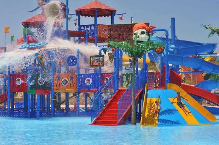 À un jet de pierre de la mer rouge en Égypte, Makadi Water World est apprécié pour sa piscine à vagu... - Facebook