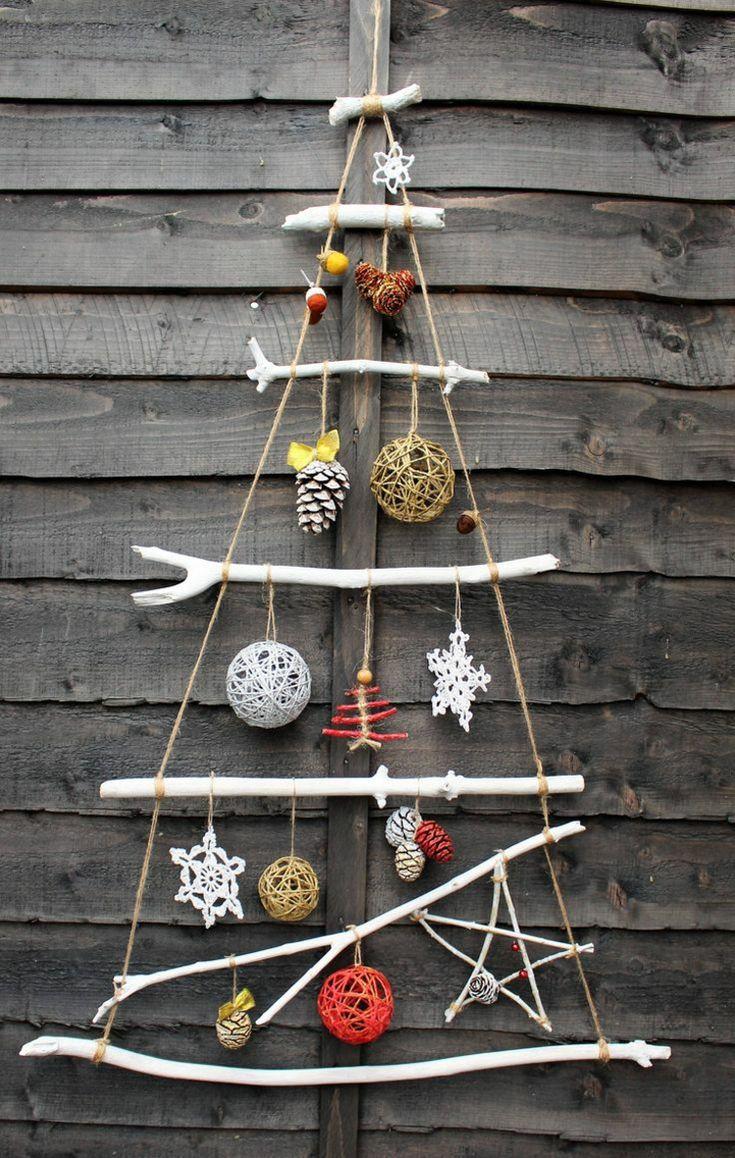 weißer weihnachtsbaum tannenzapfen deko sterne #weihnachtsdeko #ideen #christmasdecor