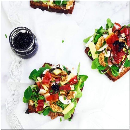 This Bayonne Ham, Laguiole Cheese, & Balsamic Vinegar Tartine will elevate your snack break!