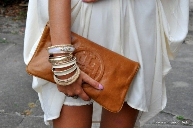 Bracelets and clutch: Arm Candy, Fashion, Burch Clutches, Style, Tory Burch, Toryburch, Accessories, Bags, While