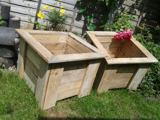 Twin planters made out of pallets pallet creations uk for Planters made out of pallets