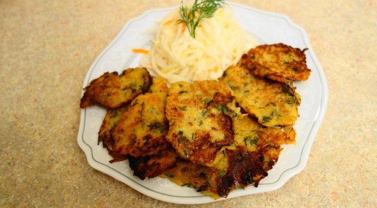 Картофельные оладьи с квашеной капустой