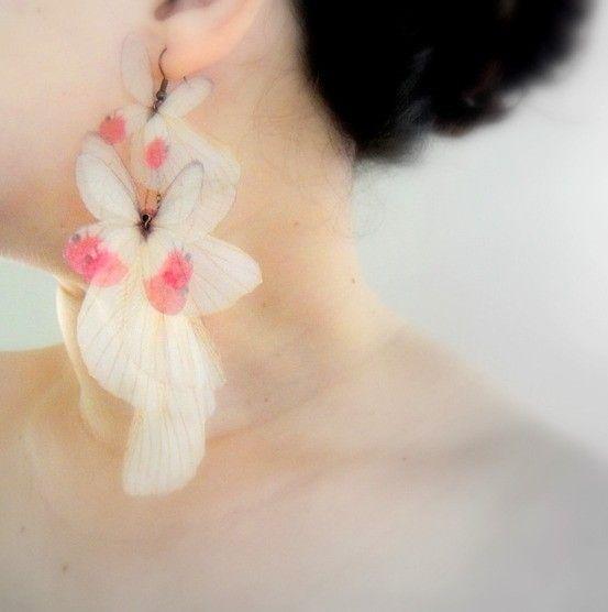 Blush Butterflies Earring Derya'nın en sevdiğim işlerinden biri.Accessories Jewelry, Amazing Earrings, Earrings Brandy, Blushes Butterflies, Jewelera, Matching Earrings, Butterflies Earrings, Fashion Free, Flower Earrings