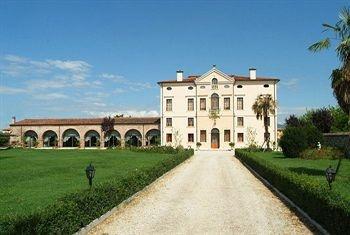 Villa Bongiovanni: Villa Bongiovanni, Italian Villa, Villas, Travel