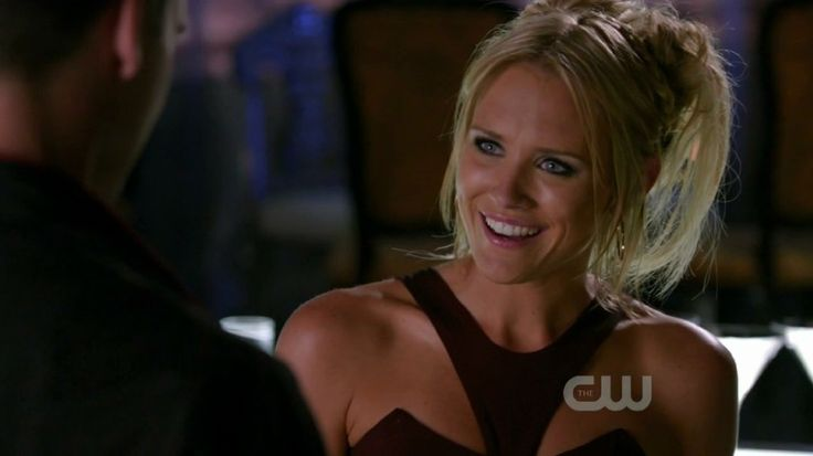 Pictures & Photos of Nicky Whelan - IMDb