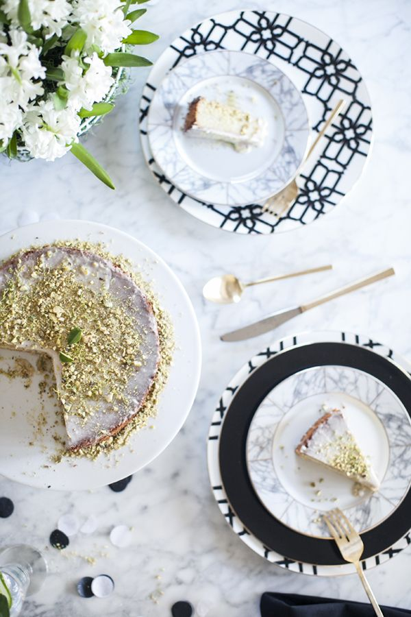 a fresh and modern easter tabletop setting from coco kelley