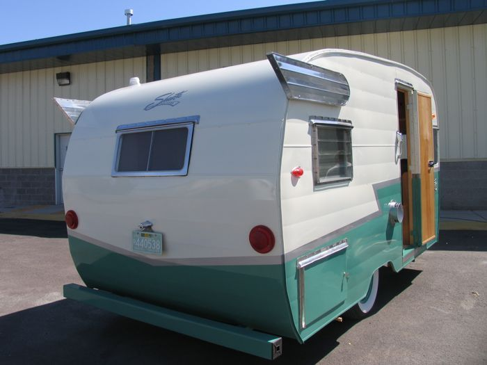 Shasta Fins Flyte Camp Trailer Restoration Bend