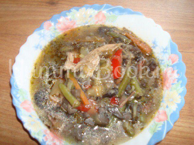 Суп Министроне с овощами и грибами