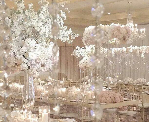 Décor de table table de mariage fleurs blanches mariages déco de mariage idées de mariage dhiver mariages en hiver décorations de table à faire soi