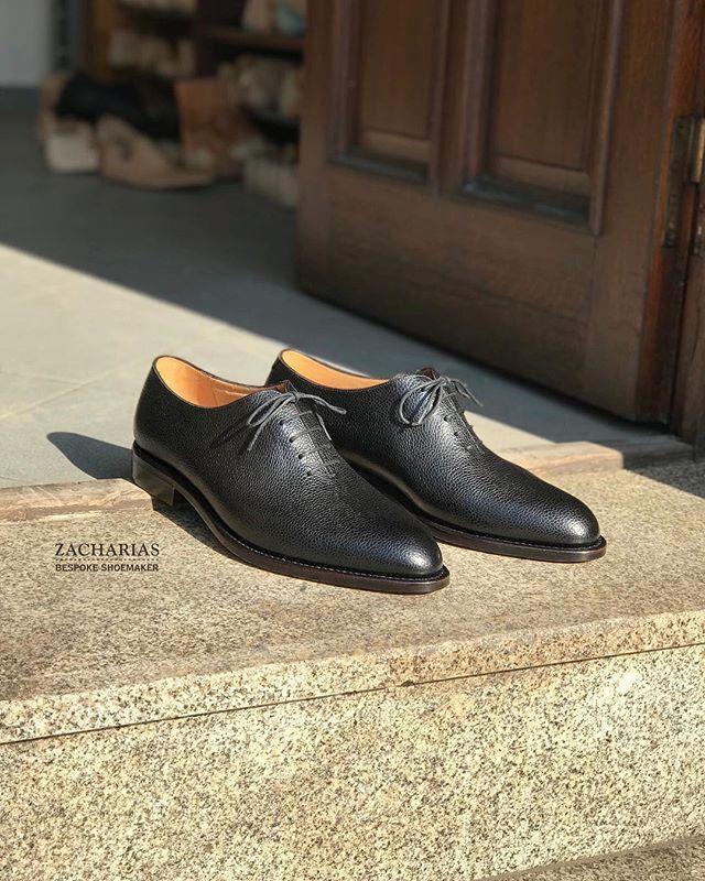 Nové #boty z naší dílny. #scotchgrain #wholecut #wholecutoxfords #bespokeshoes #botynamiru #luxus #luxusniboty #luxurylife #luxuryshoes #shoesoftheday #shoestagram #zacharias #praha