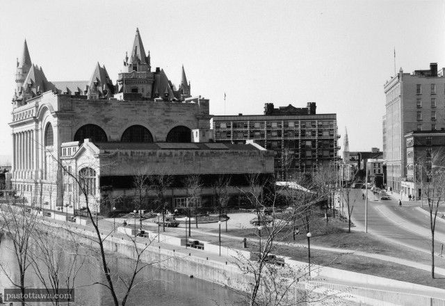 canal_rideau_ancienne_gare_colonel_by_1975_1406483561.jpg (640×440)