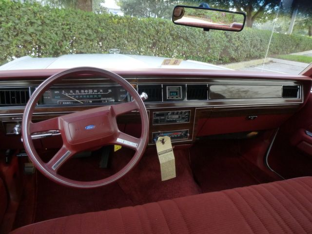 1987 Ford LTD Crown Victoria    When America needs a better idea FORD puts it on wheels    Pinterest   Ford Wheels and Cars & 1987 Ford LTD Crown Victoria  