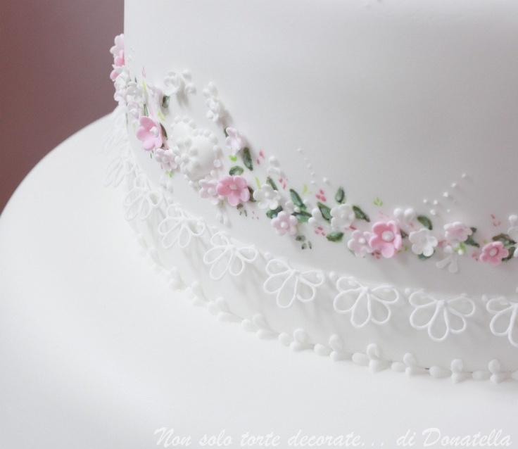 Cake detail by Donatella Semalo    So delicate