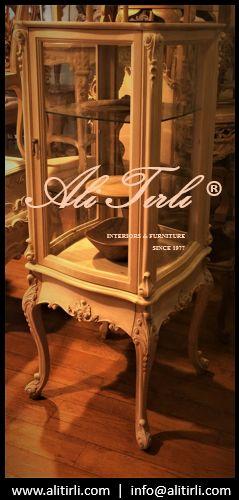 Ali Tırlı Mobilya Ve Dekorasyon   www.alitirli.com #alitirli #gumusluk #vitrin #architecture #yemekodasitakimi #mimar #yemekmasasi #livingroomdecor #sandalye #istanbul #chair #tr #homeinterior #interiors #tablo #bufe #furniture #evdekorasyonu #florya #mobilya #perde #yesilkoy #konsol #duvarkagidi #kumas #azerbaijan #ayna #luxury #luxuryfurniture #interiorsdesign