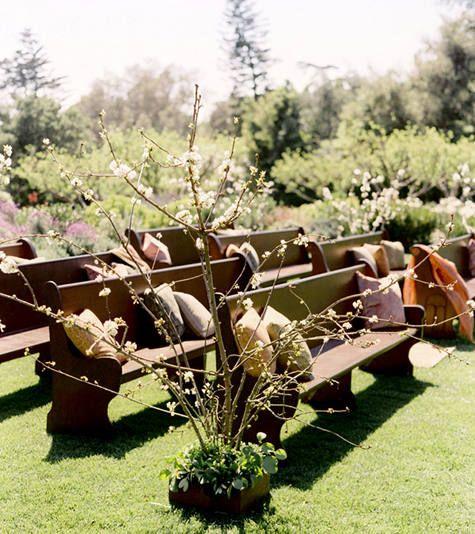 The Bride's Cafe: Bench, Wedding Ideas, Country Wedding, Wedding Stuff, Church Pews, Dream Wedding, Outdoor Weddings
